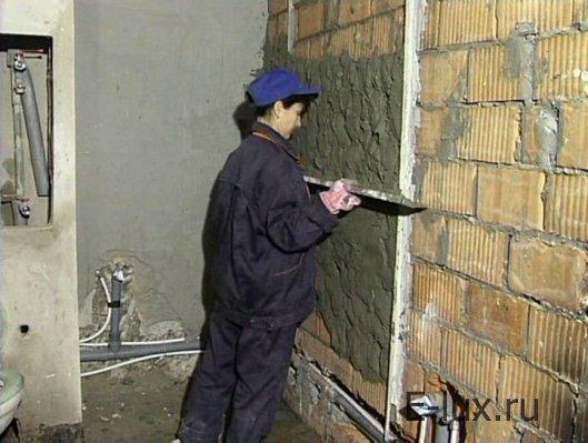 Как выровнять стены при помощи цемента